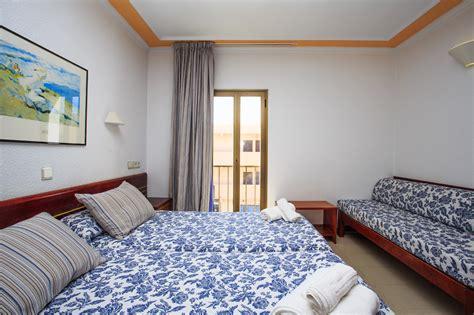 appartamenti formentera economici hostal ristorante bellavista formentera alloggi a basso