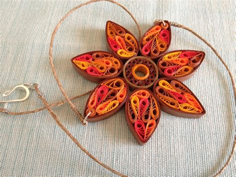 Paper Craft Jewellery - 5 tutorials for paper quilling flowers