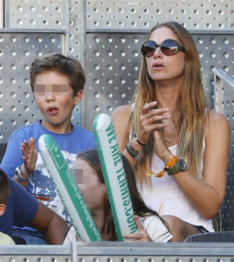 madre con hijo en hotel xxxxxx martina klein y su hijo apoyan a 193 lex corretja como