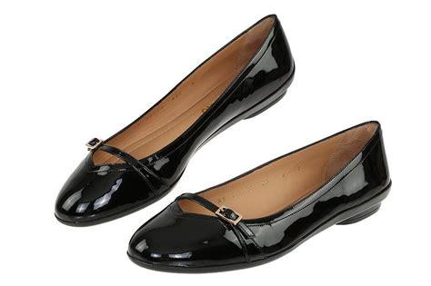 Readt Flat Shoes Salvatore Ferragamo new salvatore ferragamo black patent leather flat