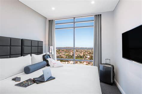 2 bedroom suite sydney 2 bedroom luxury suite north sydney meriton suites