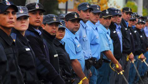 aumento de sueldo policia del neuquen 2016 aumento salarial para la polic 237 a de la provincia tu noticia