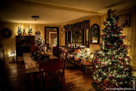 pictures of christmas decorations in homes country christmas house tour fynes designs fynes designs