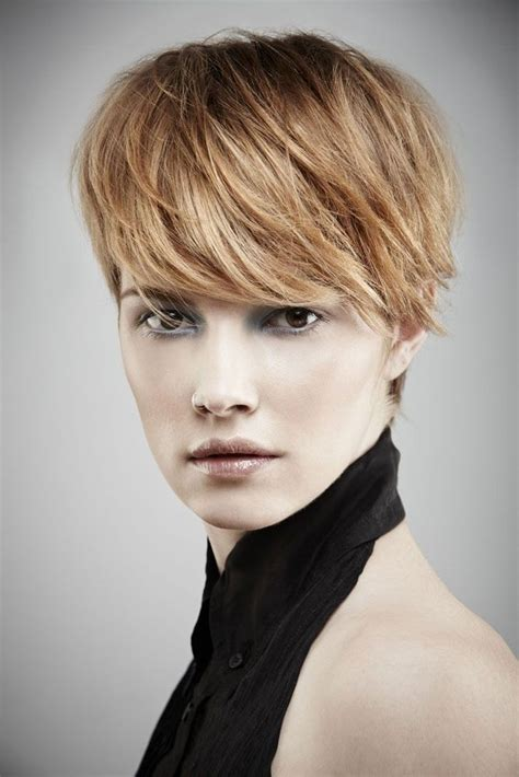 long face short hairstyles 26 best short haircuts for long face popular haircuts