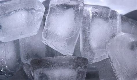 manfaat es batu  kulit wajah manfaatcoid