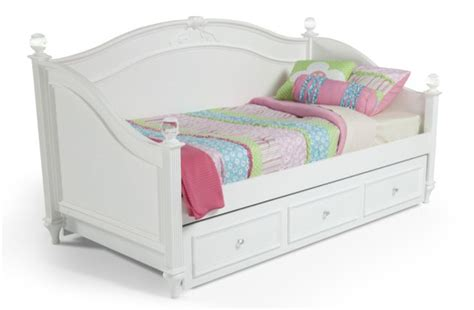 Bobs Furniture Daybed by Pin By Meag Wilde On Maeve S Room