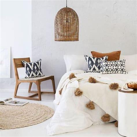 design bloggers at home waterstones chambre ethnique blanc noir marron budget d 233 co style