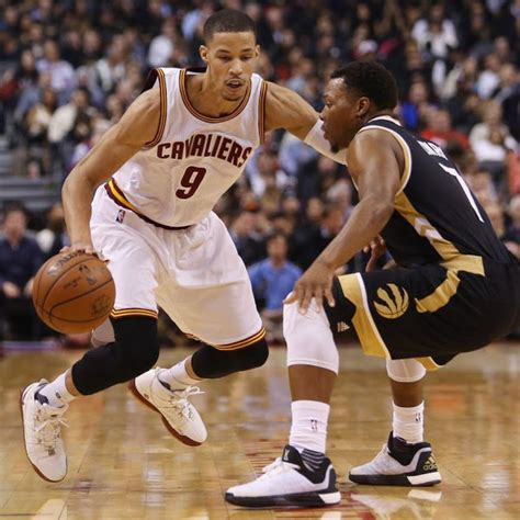 shoes basketball players wear nobody rocks nike lebrons the way jared cunningham does