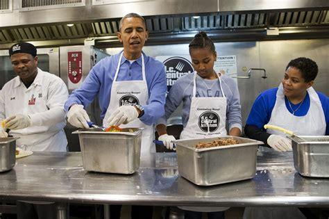 Ho King Kitchen by Obama Celebrates Mlk Visits Soup Kitchen The