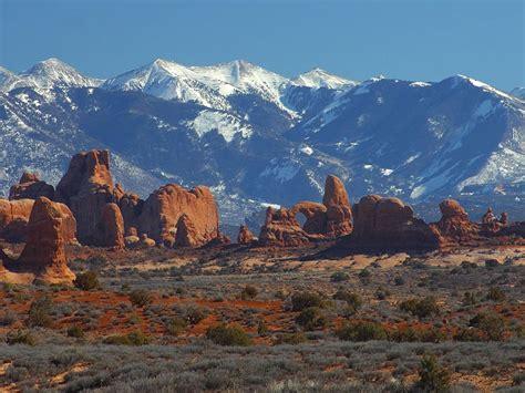 chris sullivan utah adventure lovers paradise arches national park 47 pics