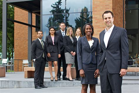 Foster School Of Business Evening Mba by Foster 1 Of Businessweek S Top 20 Mba Programs For