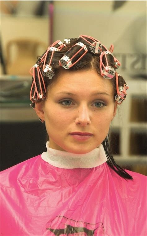 sisyin hairrollers sissy in hair curlers beauty salon