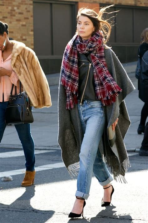 Winter Fashion Trends How To Wear Plaid by How To Wear Ponchos For