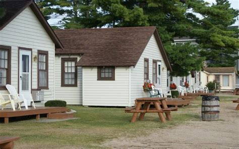the beach house mackinaw city cabins off the beach picture of the beach house mackinaw city tripadvisor