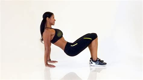 10 floor tricep dips 3 push up variations to take your arm workout up a notch