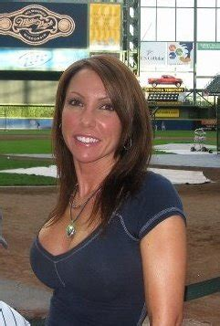 hot chick at brewers game the legend of brewers superfan quot front row amy quot williams