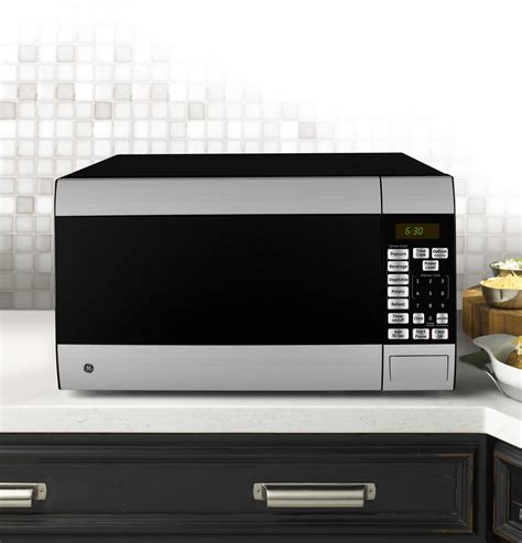 Countertop Appliances by Ge 174 1 4 Cu Ft Countertop Microwave Oven Jes1453srss