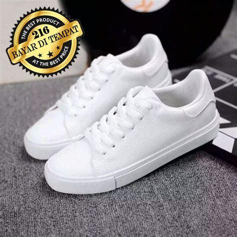 Sepatu Wanita Kets Cat Putih sepatu kets casual polos sc11 putih daftar harga