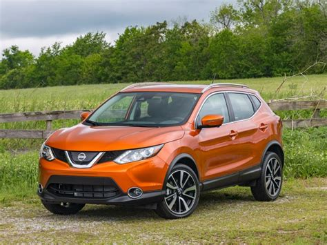 nissan rogue sport 2017 blue 2017 nissan rogue sport review kelley blue book