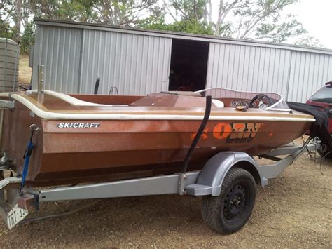 fire boat specifications leigh s 1975 skicraft clinker deluxe quot hornet