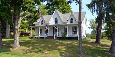 6 beautiful country homes for sale in new york s hudson