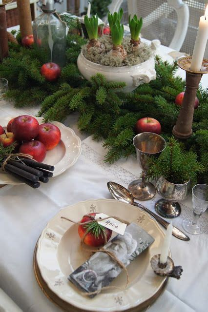 15 holiday place setting ideas how to decorate top 15 christmas table set up designs easy happy new