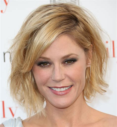 hair styles on modern family julie bowen s messy cut celeb short hairstyles that ll