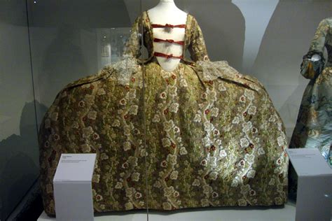 file 1760s court dress jpg wikimedia commons