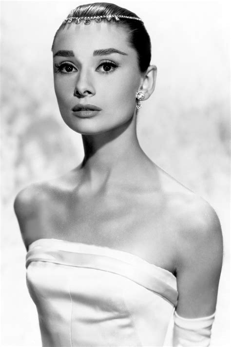 Styles That Stick Breakfast At Tiffanys by Hepburn Hairstyle Hairstyle Of Nowdays