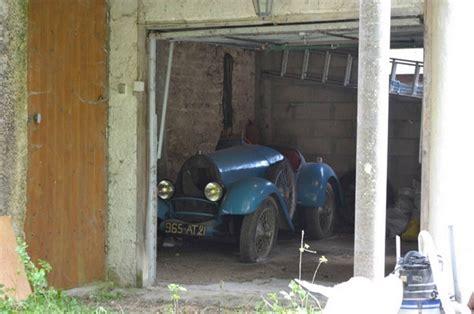 bugatti barn find 1925 barn find bugatti hits the auction block 95 octane