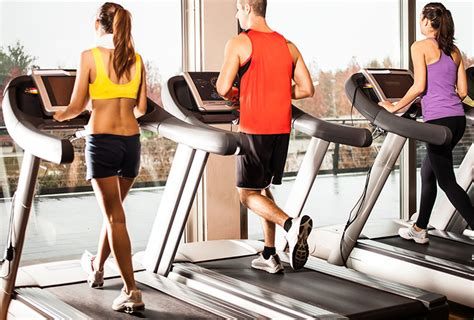 how to a to use a treadmill running on treadmill vs outside running which is better