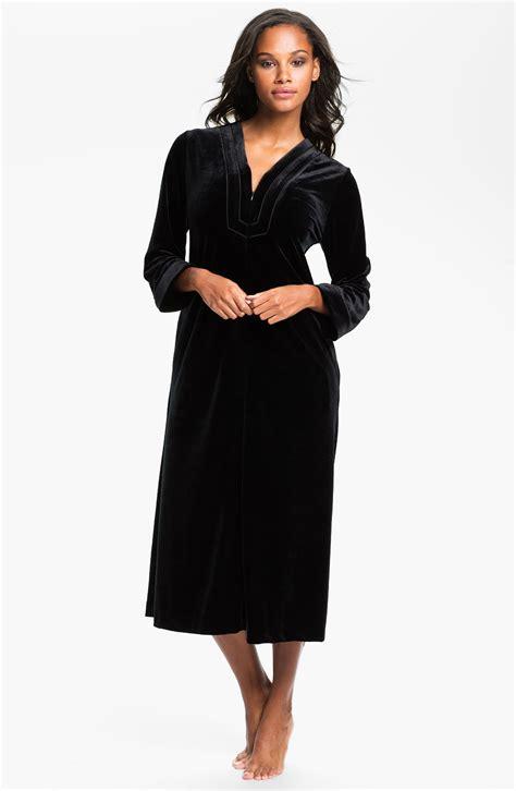 oscar de la renta robes oscar de la renta sleepwear zahara nights zip front velvet