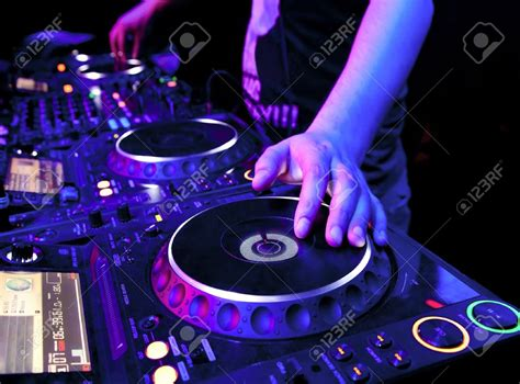 dj music house are djs musicians is electronic music actually quot music