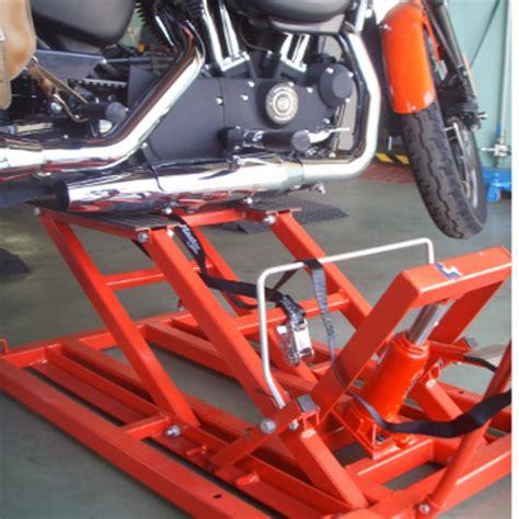 pedana solleva moto sollevatore idraulico per moto custom harley dadidson