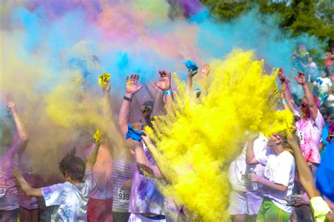 color run raleigh quot color me united quot 5k run held at beckley airport woay tv
