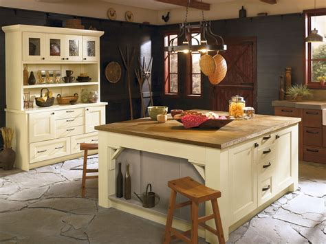 modern country kitchen with oak cabinets the tuscan palomino and portabello finishes in oak and
