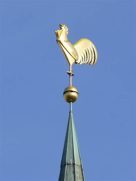seit wann gibt es die kirche seit wann gibt es den hahn auf einem kirchturm und welchen