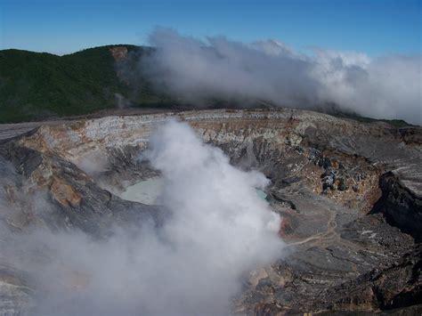 costa rica turisti per caso il cratere vulcano po 224 s viaggi vacanze e turismo
