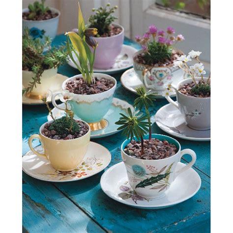 piccoli giardini fioriti 35 piccoli giardini idee e progetti per spazi ridotti