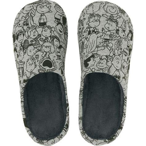 uniqlo bedroom slippers uniqlo bedroom slippers 117 best charlie brown xmas images
