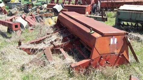 Planter Salvage Yards by International 1466 1066 1086 1206 2400 1460