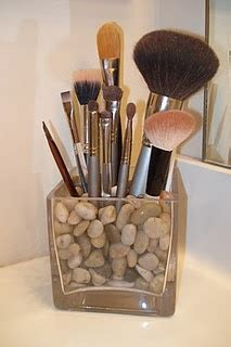 make room smell like coffee brush holder could do it with coffee beans it would make your room smell delicious i like