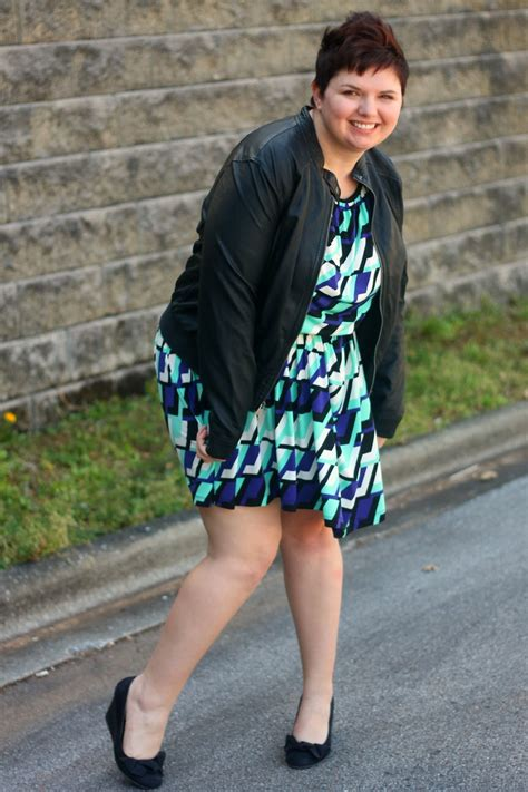 how should plus sized women wear their hair how to dress an apple shaped body fashionsizzle