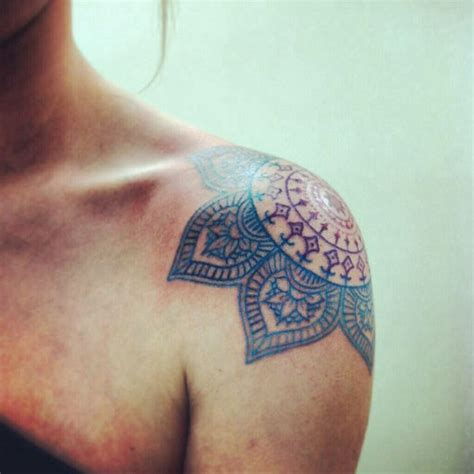tattoo shoulder colour mandala shoulder tattoo i love the colors and flowery