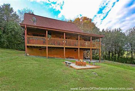 2 bedroom cabins in pigeon forge tn 2 bedroom cabins in gatlinburg pigeon forge tn