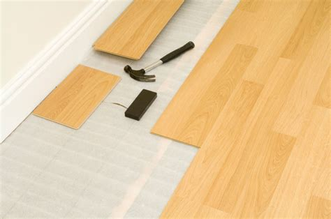 how much does it cost to install laminate flooring on