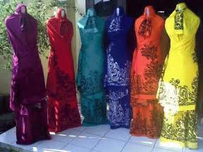 Handuk Merah Putih Uk 70x135cm Best Seller mukena bali motif tato baju kreasi jilbab muslim modern