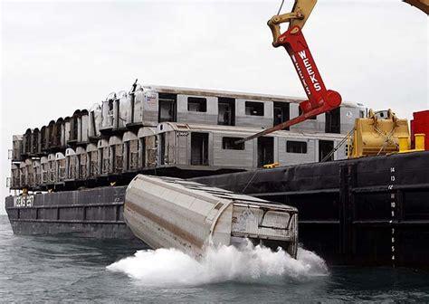 Carrozze Ferroviarie Dismesse - new awaits subway cars toronto