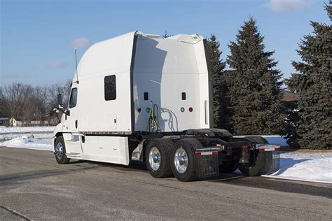 Sleeper Trailers by Integrated Tractor Trailer Sleeper Cab Bolt Custom Trucks