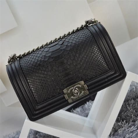 Tas Chanel Le Boy 2 chanel black python le boy bag brand new top quality leather looks 1 1 like a real one
